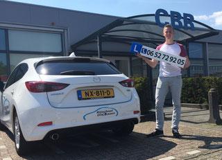 Jan Arie van Oort Geslaagd voor zijn Rijbewijs bij Rijschool Dielessen