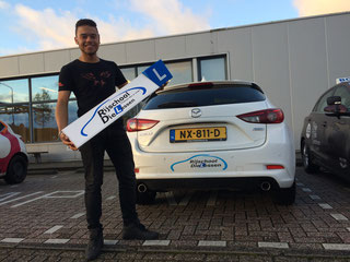 Nick van der Schuit in 1keer geslaagd voor zijn Rijbewijs bij Rijschool Dielessen